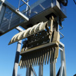 Automated weedscreen hydraulic claw image
